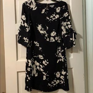 H&M / black and white floral dress